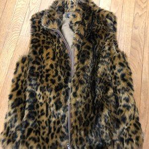 JCREW faux fur S leopard vest
